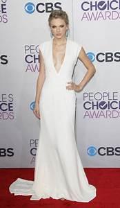 Taylor Swift's white low cut revenge dress reveals ...