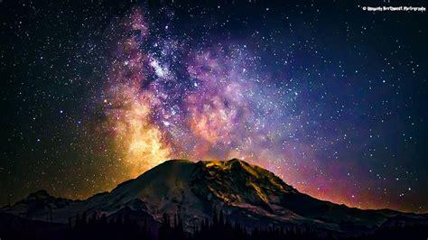 Whoa Amazing Photo The Milky Way Over Rainier