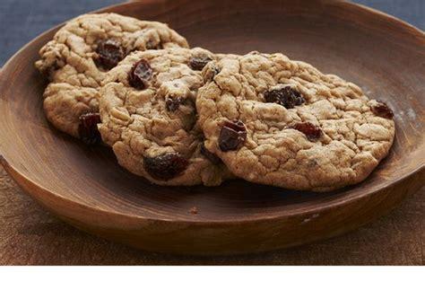 spicy oatmeal raisin cookies recipe raisin cookies