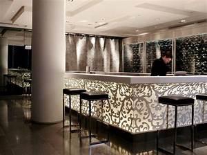Bar De Maison : un bar ultra chic urbain tout en cama eu on adore l 39 agencement du motif tout en courbes du ~ Teatrodelosmanantiales.com Idées de Décoration