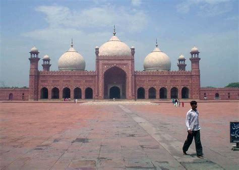 Lahore Travel Guide, Cheap Flights, Places to See