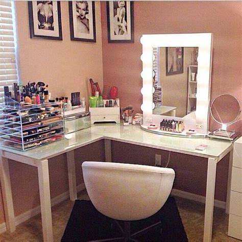 Corner Makeup Vanity With Mirror by 1000 Ideas About Makeup Beauty Room On Pinterest Beauty