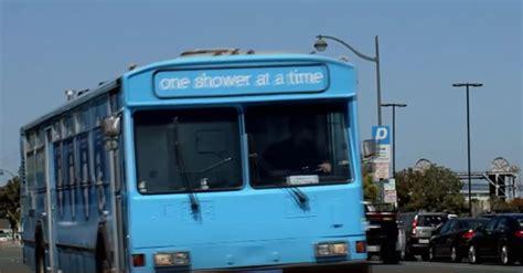 how to dispose of a lava l coup de cœur le bus qui offre une aux sans abris