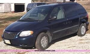 2002 Chrysler Voyager - Information and photos - MOMENTcar