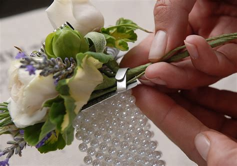 to be corsage how to make a corsage