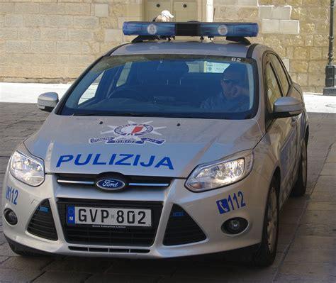 Police Car In Malta 01.jpg