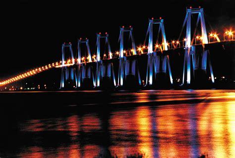 mas de  mil tonos de luces led iluminaran el puente