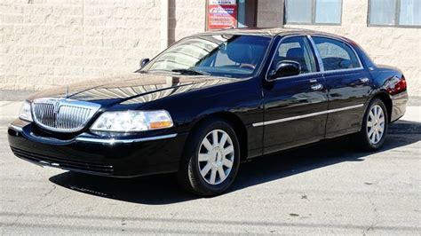 2011 Lincoln Town Car by 2011 Lincoln Town Car Signature Limited 4dr Sedan In