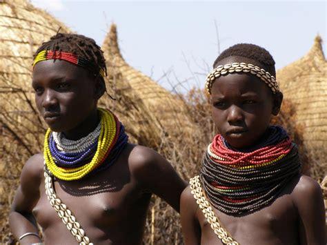 fotos de la tribu de quot los comedores de elefantes quot im 225 genes
