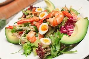 Salat Selber Anbauen : salat mit garnelen und avocado rezepte von thomas sixt ~ Markanthonyermac.com Haus und Dekorationen