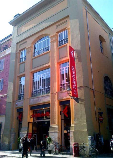 Feltrinelli Libreria by Feltrinelli Icos Costruzioni S R L