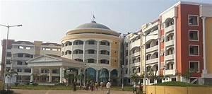 Hotels in Shird... Shirdi Sansthan