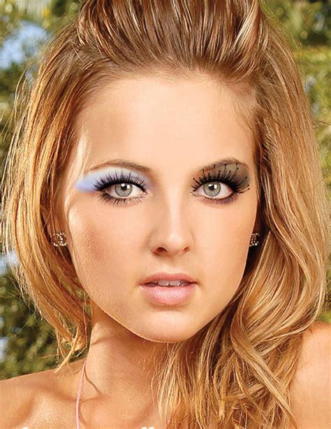hair color  green eyes  warm skin tone hair