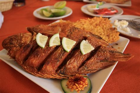 delicious cuisine food the lunch hour or corrientazo colombia