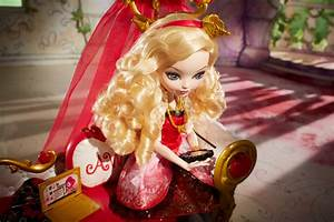 EVER AFTER HIGH™ Fainting Couch Dorm Accessory - Shop Ever ...