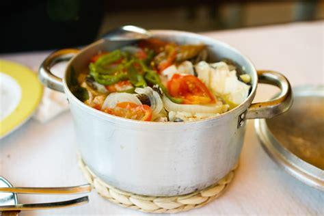 la cuisine portugaise recette de la caldeirada de peixe portugal voyage