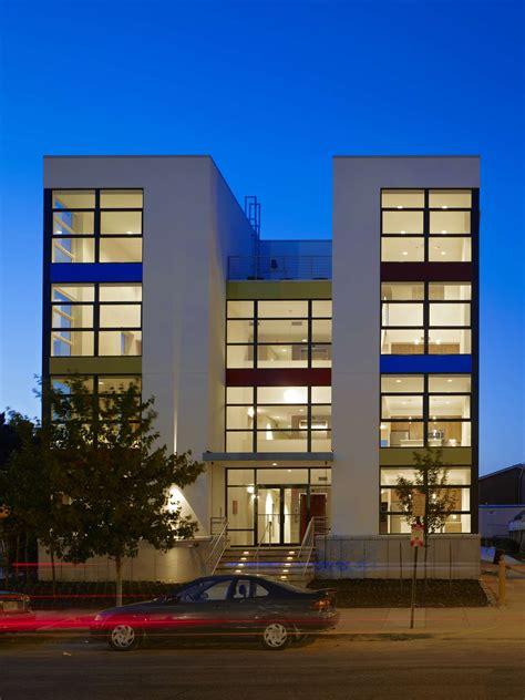 story buildings modern house