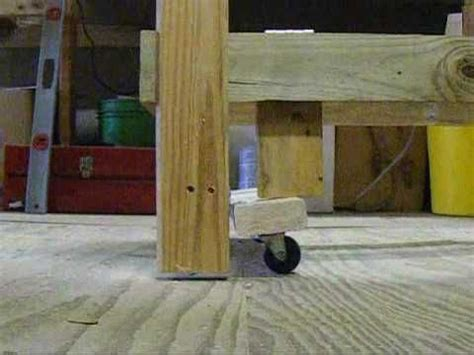retractable landing gear   table retractable