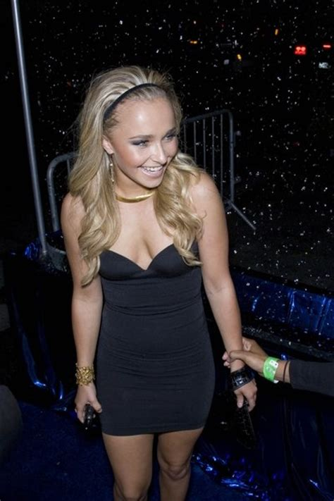 hayden panettiere   black dress  headband