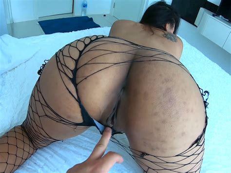 Big Ass Amateur Thai Girlfriend Gives Horny Hotel