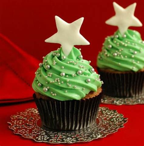 christmas cupcakes easy christmas cupcake designs and decorating ideas family holiday net guide to family