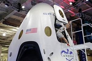 SpaceX founder Elon Musk reveals shuttle that will ...