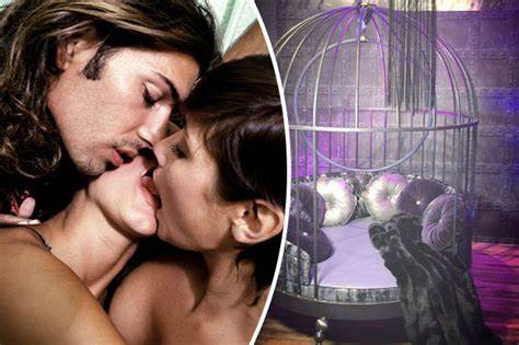 One Stuffed Parties In Secretly Bus Inside Uk'S Exclusive Pounded Swinger Outdoors Gangbang Moves To