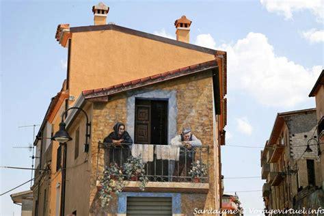 via angolo balcone trompe l oeil murale fonni sardegna