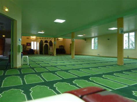 deux jeunes prochainement jug 233 s pour avoir profan 233 une salle de pri 232 re musulmane