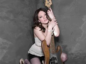 Girl with guitar wallpapers and images - wallpapers ...