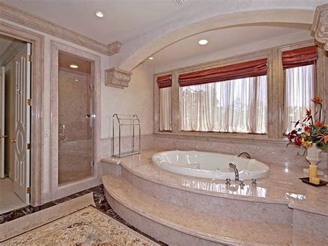 Bathrooms Of The World : 10 Of The Most Expensive Bathrooms In The World