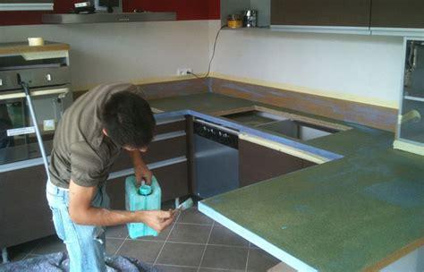 peindre du carrelage de cuisine recouvrir carrelage cuisine plan de travail dans cette