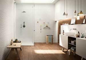 35 salles de bains design elle decoration for Salle de bain design avec décoration poster