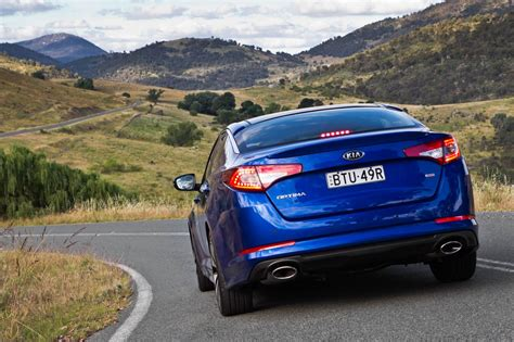 kia australia targets top   waiting times normalise