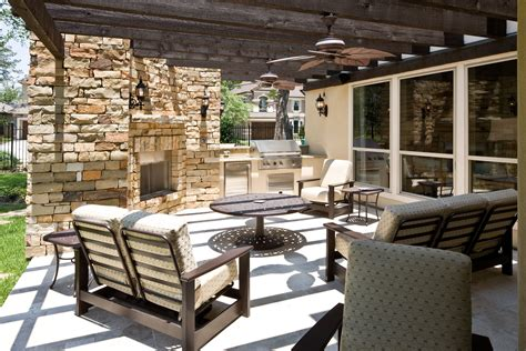Stunning Backyard Patios, Outdoor Kitchens and Backyard ...