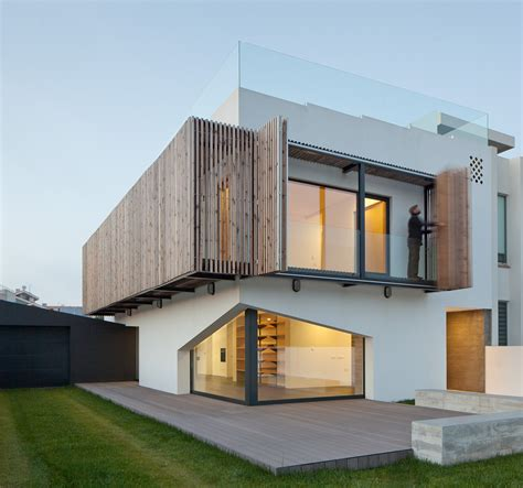 Gorgeous House In Miramar By E348 Arquitectura  Wave Avenue