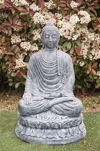 Statue Bouddha Maison Du Monde : statue bouddha varada mudra 100 cm gris ~ Teatrodelosmanantiales.com Idées de Décoration