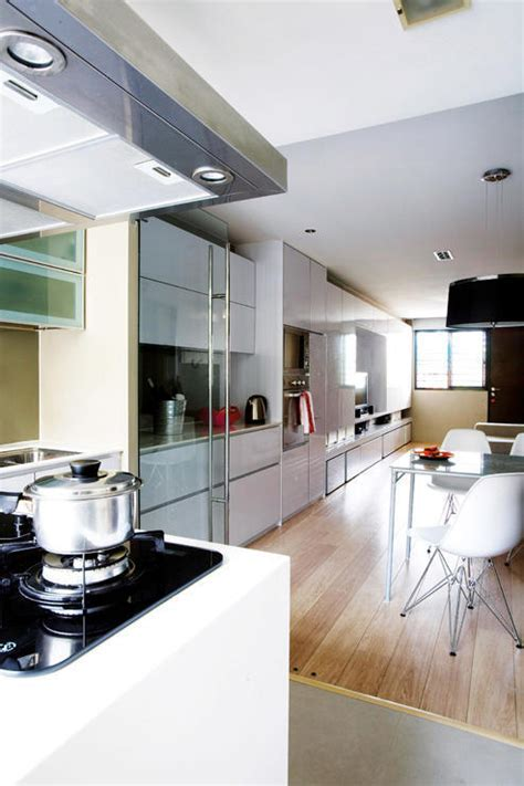 Check out this 3 room flat's stunning white and light wood