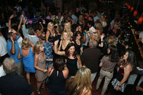 palm springs night clubs dance clubs  reviews
