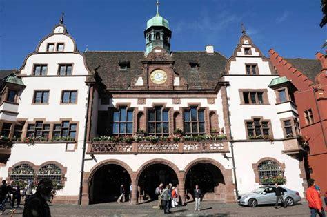 Rathaus In Freiburg by Stadt Freiburg Darf Sich Auf Zus 228 Tzlich 25 Millionen