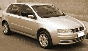Fiat Stilo 2002 : 2002 fiat stilo overview cargurus ~ Gottalentnigeria.com Avis de Voitures