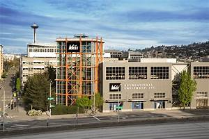 rei tries something new for black friday closing