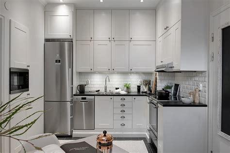 foto cocina pequena  techo alto  habitissimo