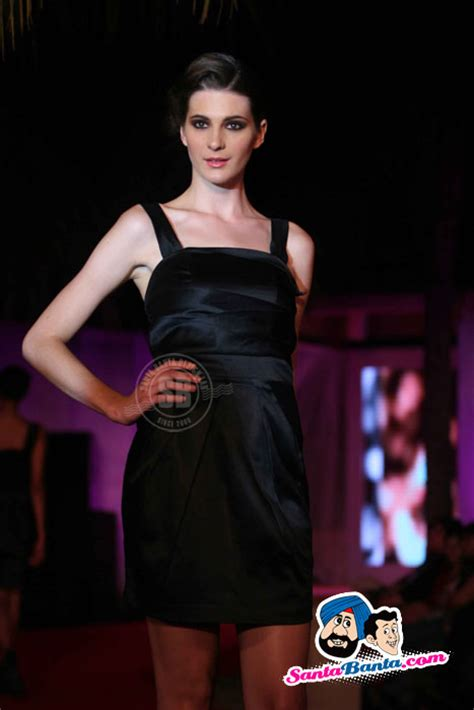 triumph international unveils summer collection 2010 collection at the 10 118242
