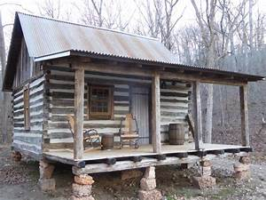 Amazing salvage jobs from diy network39s barnwood builders for Barn yard builders