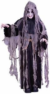Gruselige Halloween Kostüme : kleiner gruseliger fetzen zombie als kinderkost m f r die jungen halloween fans halloween ~ Frokenaadalensverden.com Haus und Dekorationen