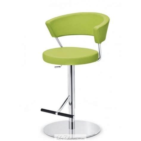 tabouret chaise de bar tabouret de bar reglable prinz et tabourets de bar en cuir midj tabourets pivotant vert