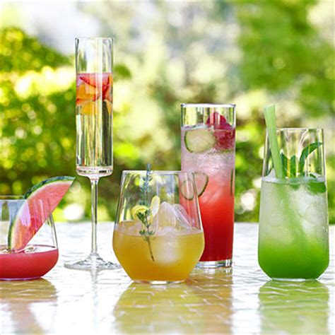 How To Have A Great Outdoor Cocktail Party (plus A