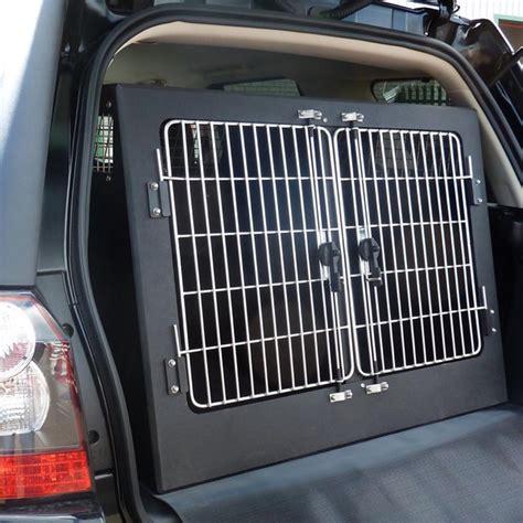 Dog Transit Box - Facias