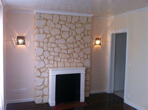 fausse cheminee decorative murale peinture satine haut gamme murs laque tendue plafond stucco pierres de parement chemin 233 e